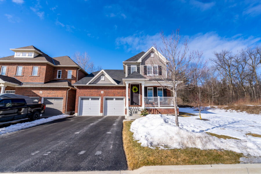99 Murray Tabb St Bowmanville