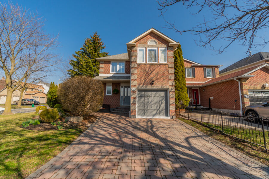 450 Palmerston Ave Whitby