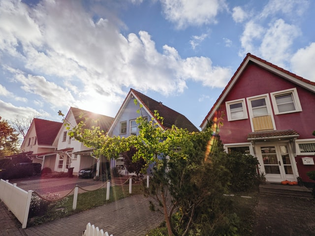 Tips For Navigating Multiple Offers As A Buyer